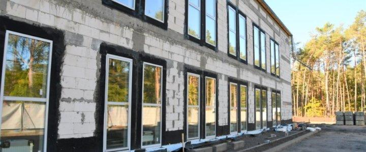 Świnoujście. Przy ulicy Bydgoskiej. Zakładu Opieki Długoterminowej już w stanie surowym zamkniętym.