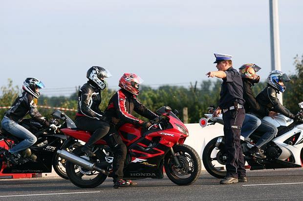 Świnoujście. Uwaga kierowcy! Uwaga motocykliści!