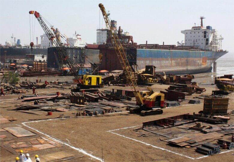 Zatrzymano 3 mężczyzn, którzy ukradli elementy statków warte 190 tys. zł.